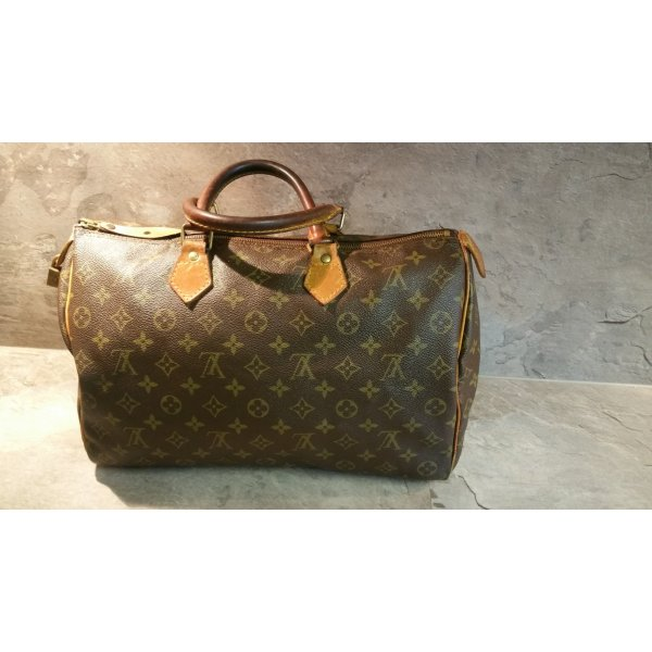Louis Vuitton 35