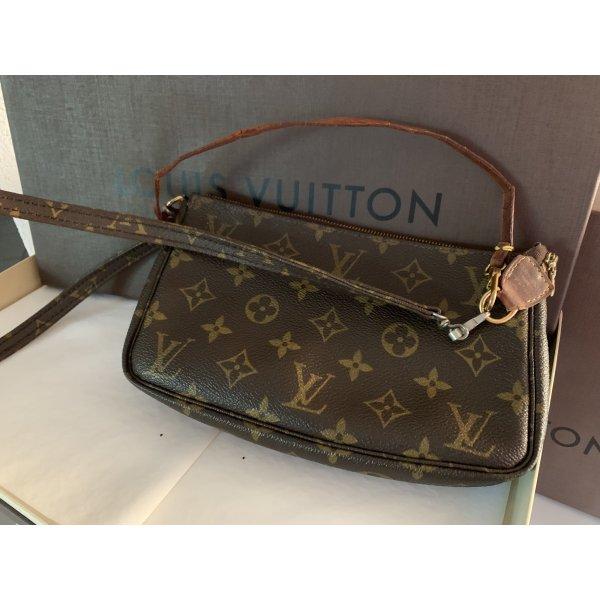 Louis Vuitton grosse Monogram Canvas Pochette Accessoires Clutch