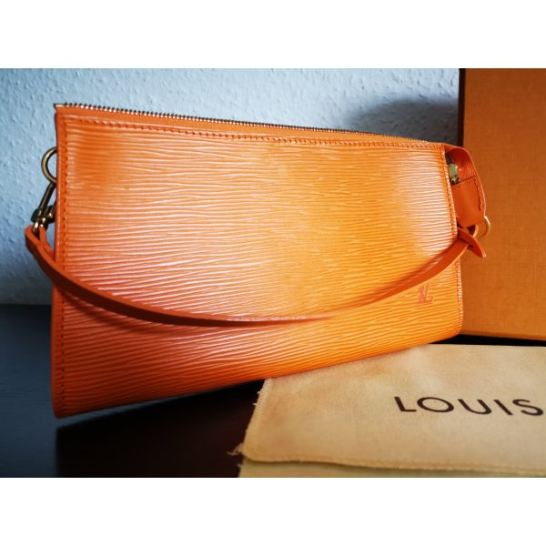 Louis Vuitton Pochette Orange
