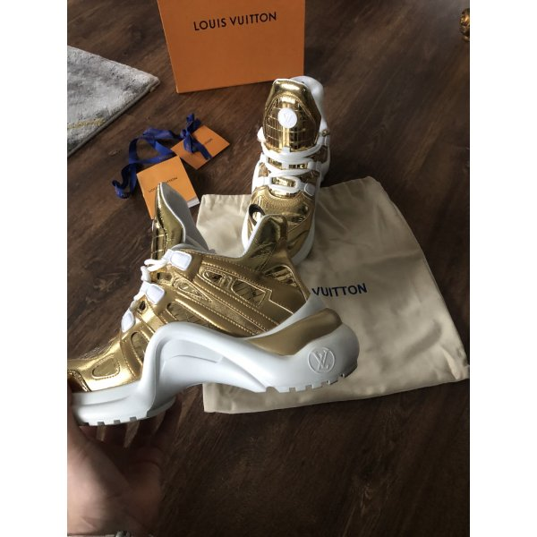 Louis Vuitton Sneakers 41 Gold