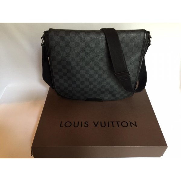 Louis Vuitton Trocadero GM Messenger