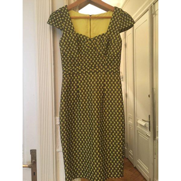 Luxuriöses Kleid aus London