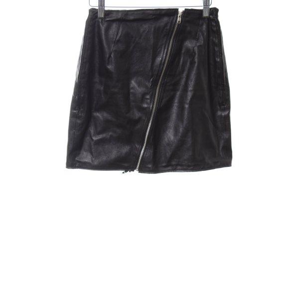 Minirock schwarz extravaganter Stil