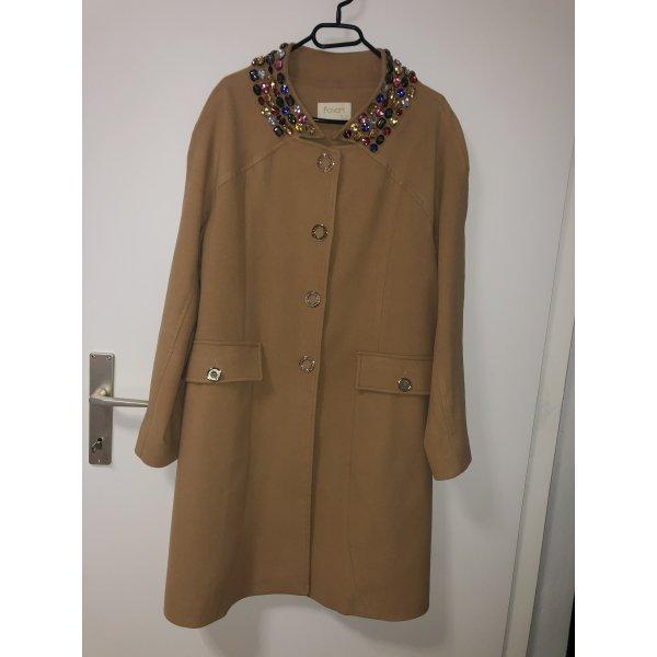 Moderner Mantel