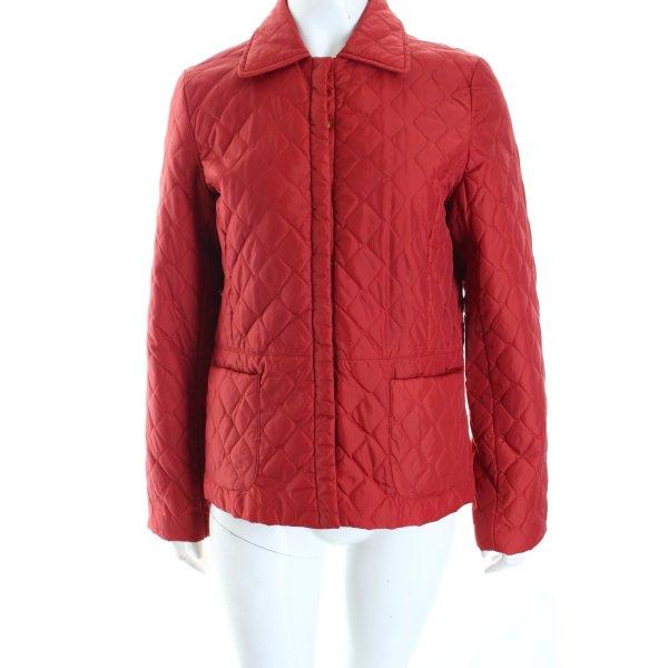 Montego Steppjacke rot Street-Fashion-Look