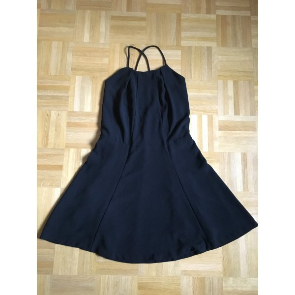 Neckholder-Kleid mit Rückenausschnitt und Spitze