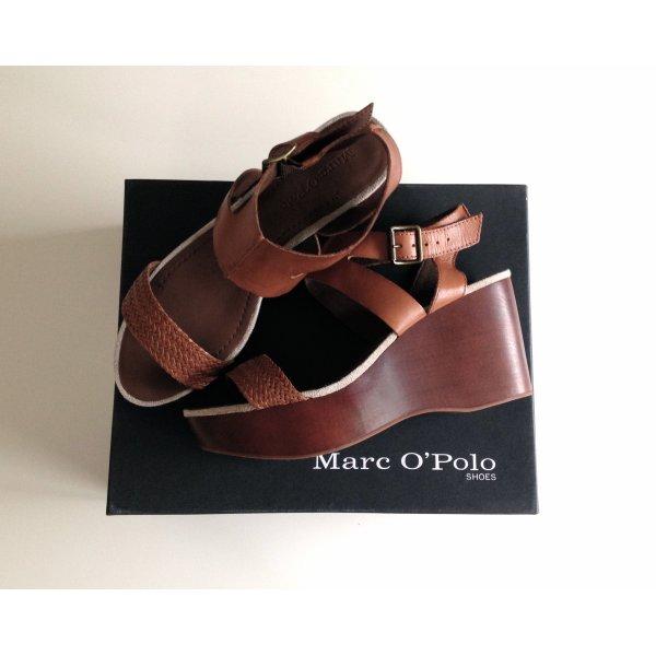 Neue Sandalen mit Keilabsatz von Marc O'Polo