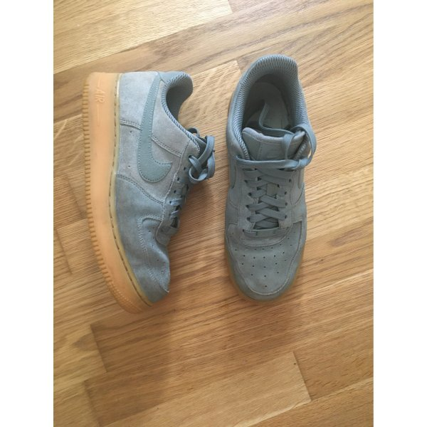 Nike Air Force grün