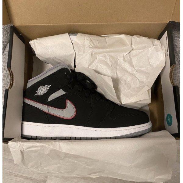 Nike Air Jordan 1 Mid Neu
