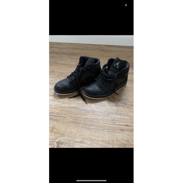 Nike Air Jordan Mid schwarz 36,5