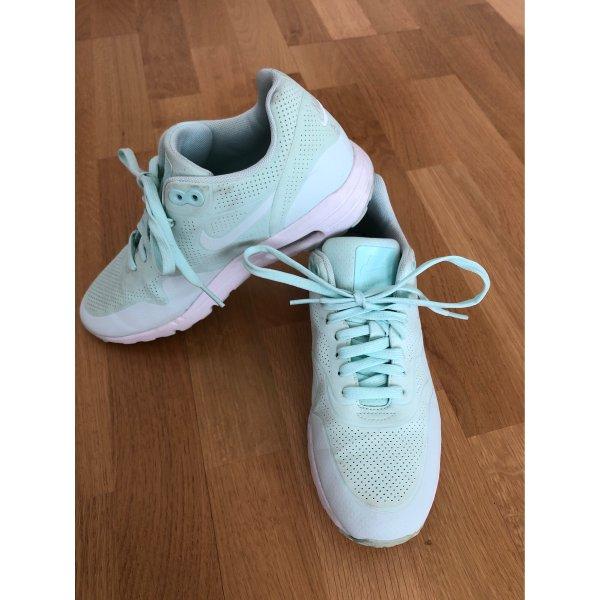 Nike Air Max in Mint