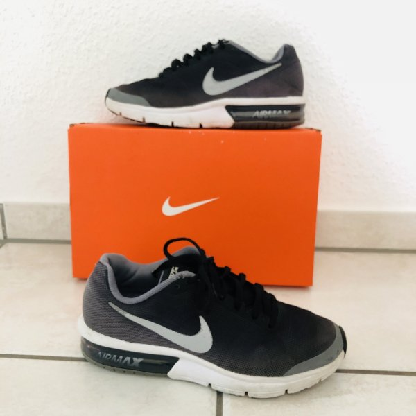Nike Air Max Sequent GS Gr 36,5 schwarz Silber Schuhe Sportschuhe Sneaker