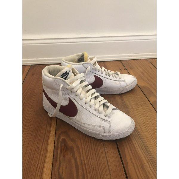 Nike Blazer High Top weiß/bordeaux 40