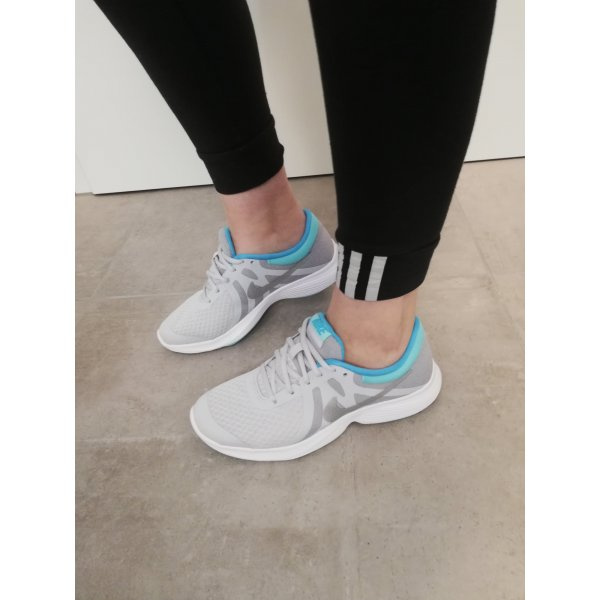 Nike Fitness Sneaker hellgrau neu 38/38.5