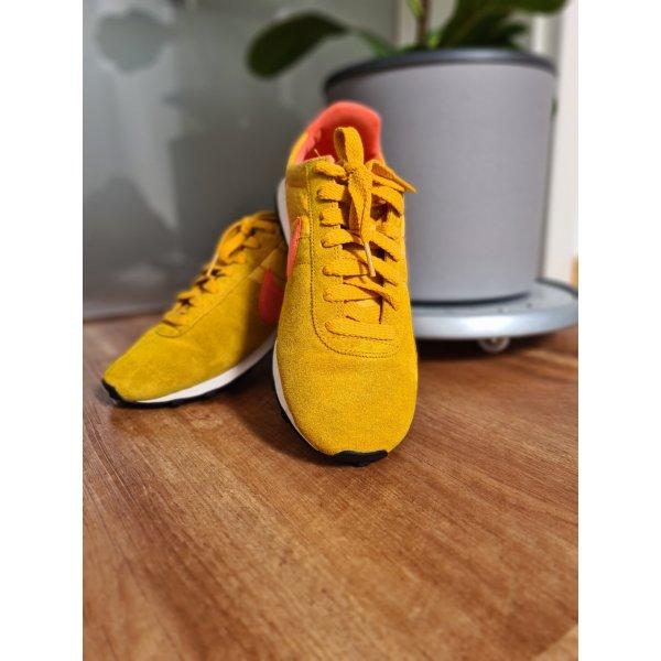 Nike gelb // Größe 38.5