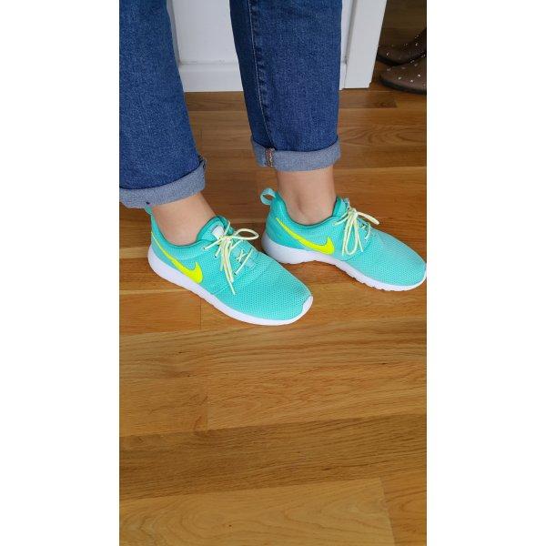 Nike Grün Sport Schuhe