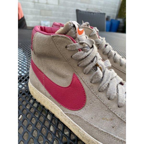 Nike Hightop Sneaker Echtleder Gr. 7 top