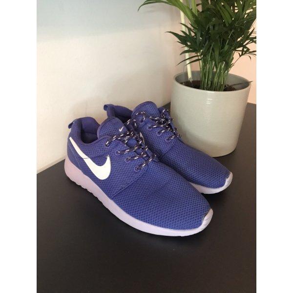 Nike Lila Turnschuhe