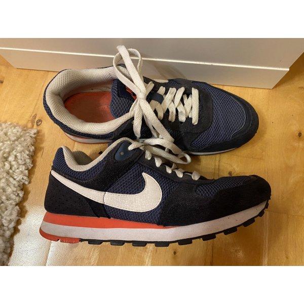 Nike MD Runner 38,5 dunkelblau