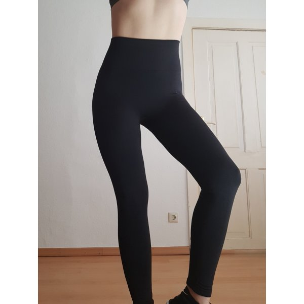 Nike Power Studio Yoga-Tights Gr. S schwarz