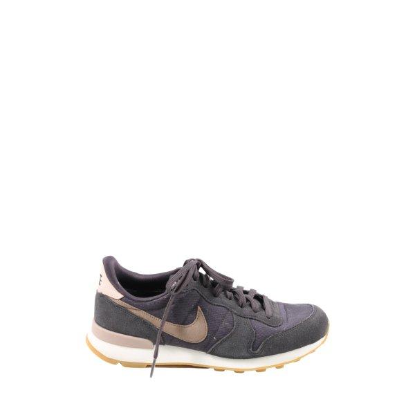 Nike Schnürsneaker schwarz-braun Casual-Look