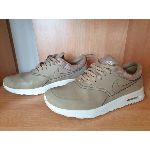 Nike Schuhe beige