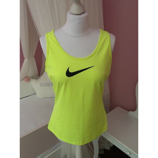 Nike Shirt L