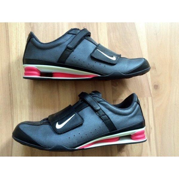 Nike Shox Rival V Leather Größe 39 schwarz shox sneakers