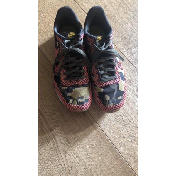 Nike sneaker 39 pink khaki