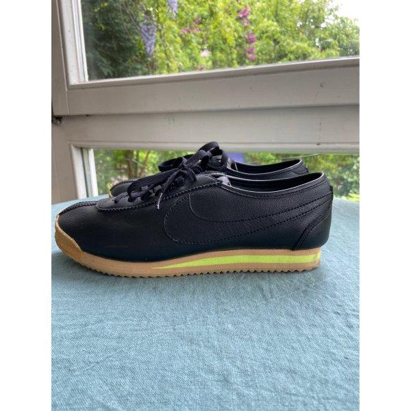 Nike Sonderedition Gr40