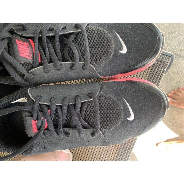 Nike Sport Schuhe
