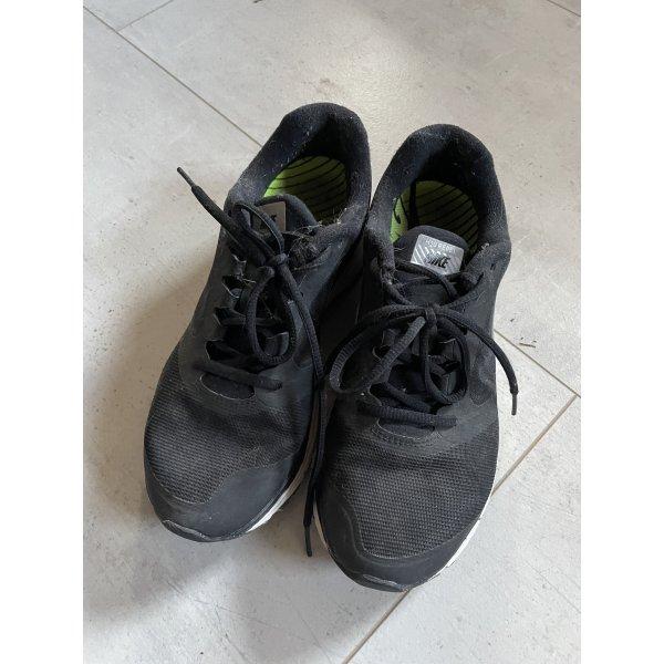 Nike Sportschuhe/Sneaker