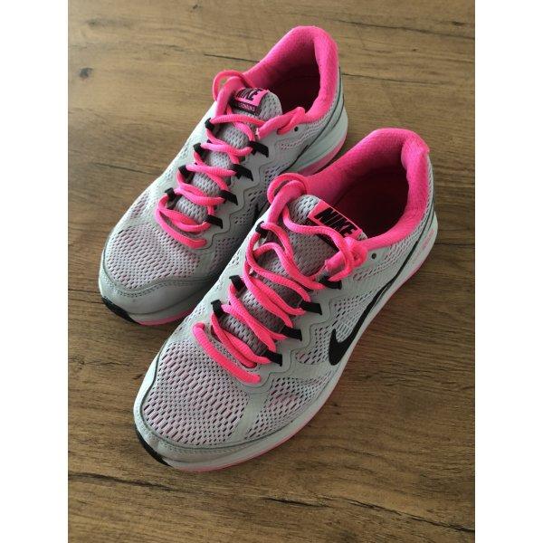 Nike super leichter Turnschuh