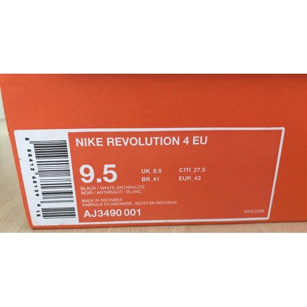 Nike UNISEX Laufschuhe Gr 43  9.5 NEU  NEU