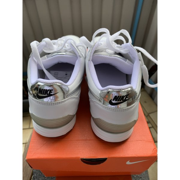 Nike X-ROAD