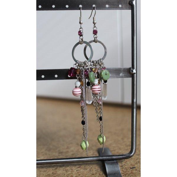 Ohrhänger mit bunten Perlen