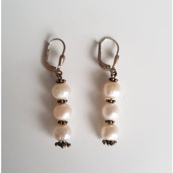 Ohrringe mit Zierperlen Silber Perlmuttweiß Modeschmuck