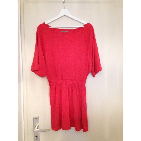 Orangefarbenes Kleid von mint & Berry