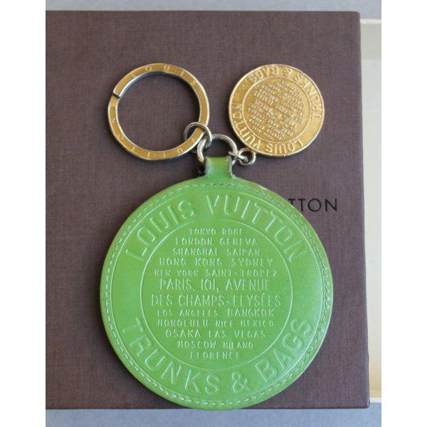 Original Louis Vuitton Schlüsselanhänger Taschenanhänger TRUNKS&BAGS Charm