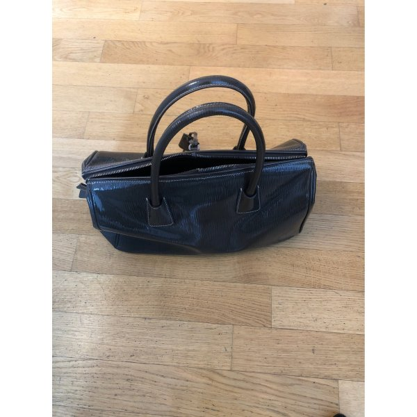 Original Prada Handtasche aus Lack Grau