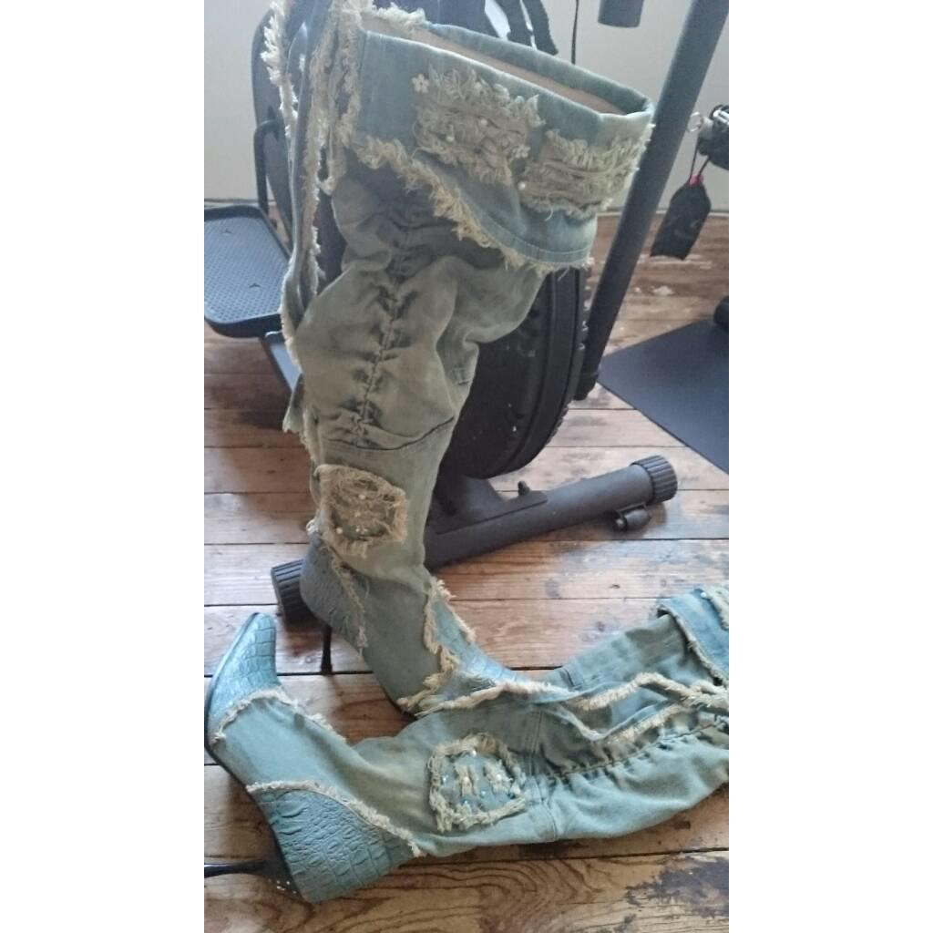 Heel Boots light blue