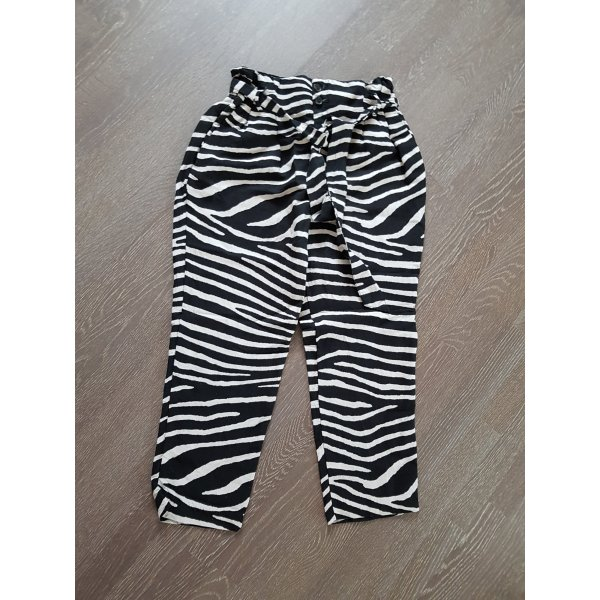 Paperbaghose Zebramuster