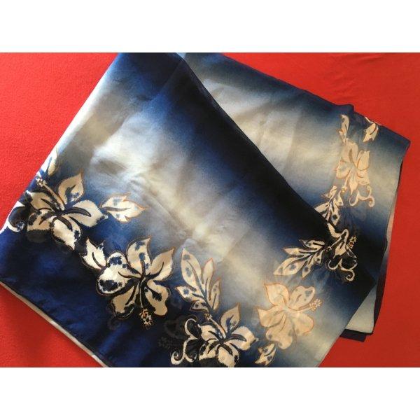 Pareo in blau mit weißen Blumen