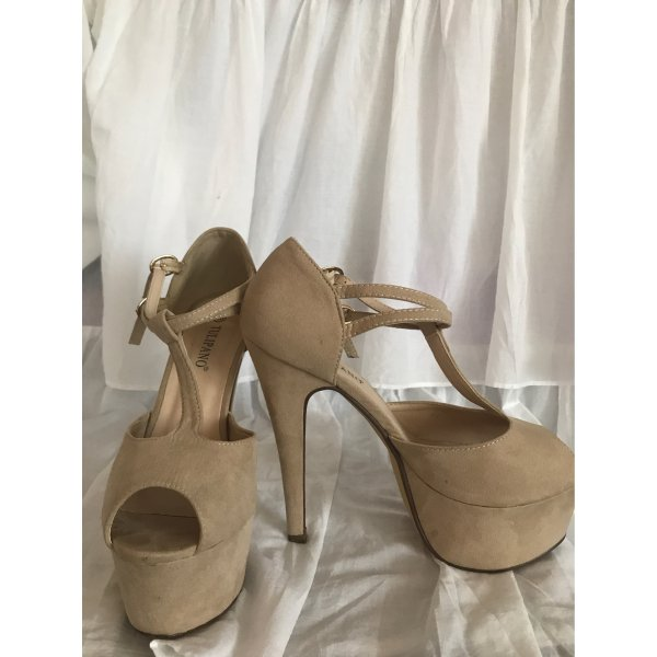 Plateau heels mit t-Steg
