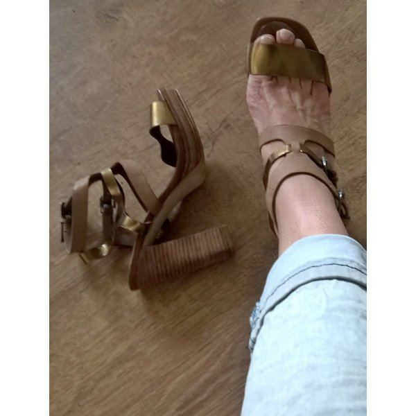 Plateau-Sandaletten von Marc O´ Polo mit passendem Gürtel