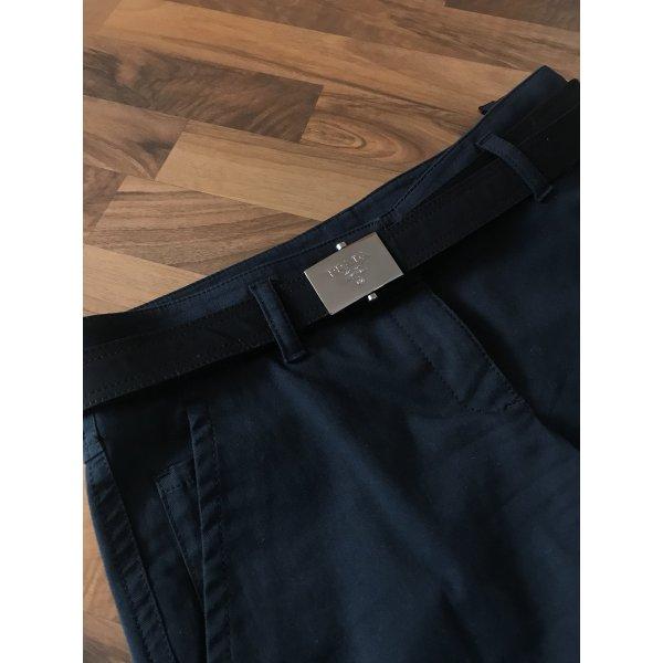 Prada Shorts mit Gürtel