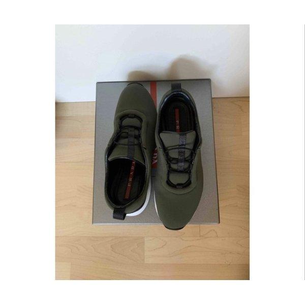 Prada Sneaker aus Leinen