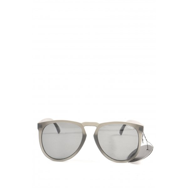 Quay Oval Sunglasses light grey casual look