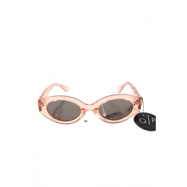 Quay Oval Sunglasses pink casual look