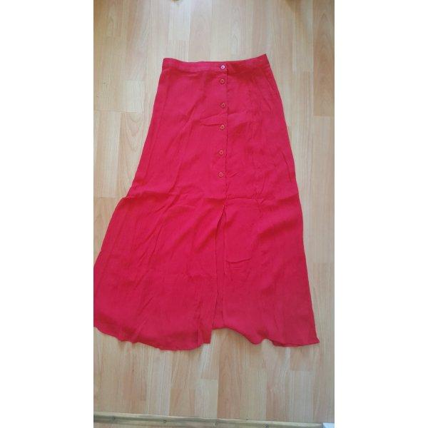 Red crinkle skirt